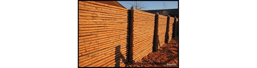 Rafte hegn med bark